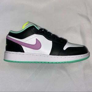 Nike Air Jordan 1 Mid GS Violet Shock 6.5Y